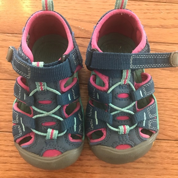 a9ed0eed42382 Keen Shoes | Toddler Girl Size 6 | Poshmark keen shoes toddler girl